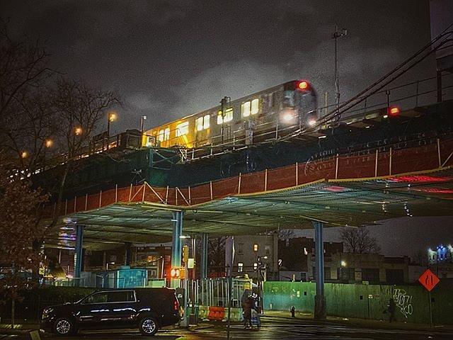 Im on the night train!